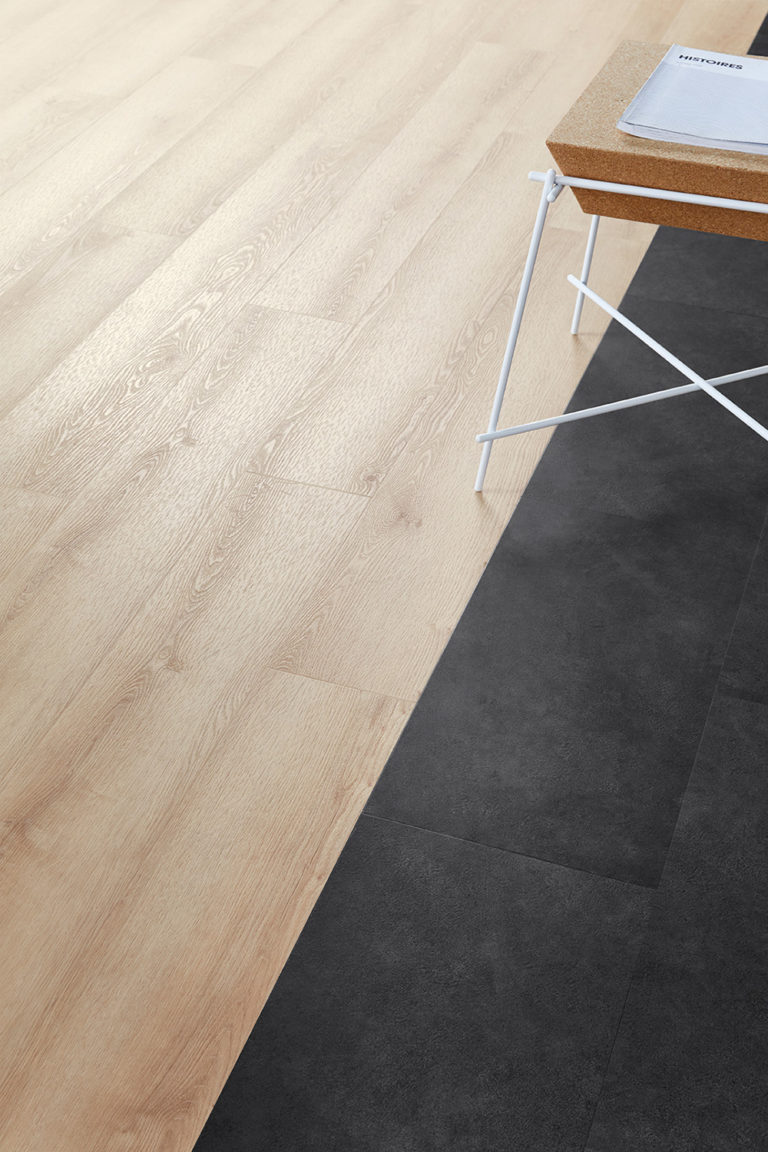 iD Click Ultimate, Stylish Oak Natural & Timeless Concrete Anthracite by Tarkett, close up