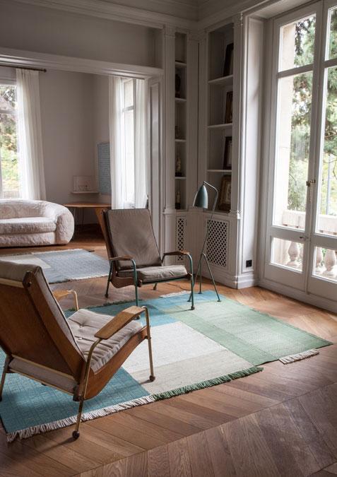 Tres, green, interior