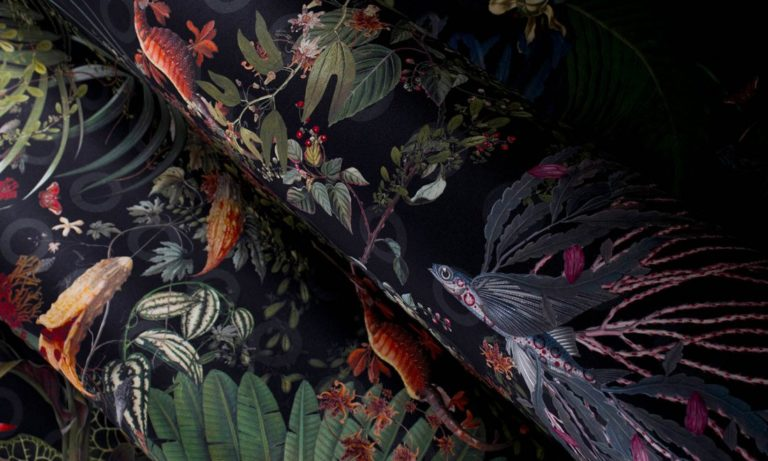 Moooi Wallcovering Extinct Animals by Arte, Menagerie of Extinct Animals pattern, Raven, close up